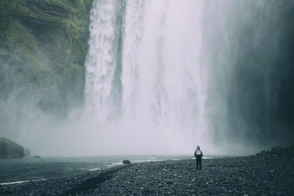 waterfalls-2560865_1920